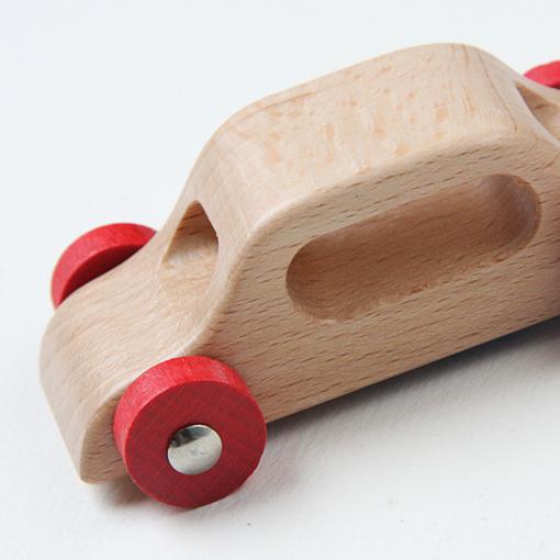 ユシラ社 赤いカー